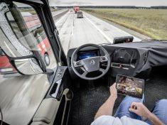 Daimler-Future-Trucks-Autonomous-Trucks-all-Set-for-2025-5