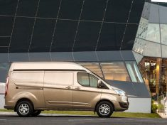 Ford_Transit_Custom_magasitott_3