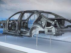 Carbon_Core_Karosserie_des_neuen_BMW_7er_Seitenansicht_-_Quelle_BMW_Group_