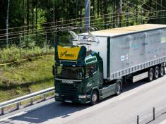 volkswagen-scania-hybrid-lkw-hybrid-truck-oberleitungs-lkw-overhead-power-lines