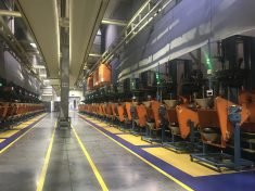 Bridgestone - Vulkanizáló prés automatikus töltése