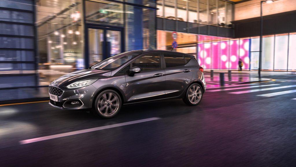 Ford_Fiesta_2020_04
