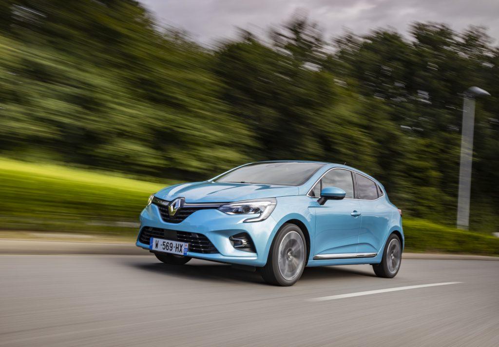 2020 - Renault CLIO E-TECH tests drive