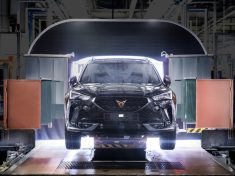 CUPRA-boosts-electrification-and-starts-production-of-the-Formentor-e-HYBRID_01_HQ(1)